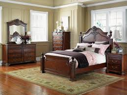 Cream Bedroom Furniture Sets by Classic Bedroom Furniture Set Cream Stained Wall Interior White