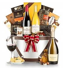 Gift Baskets With Wine Wine Basket Gifts Hand Picked And Reviewed To Help You Find The