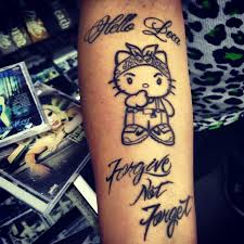 i do not like mz krazie but i love this gangster hello kitty
