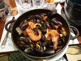 plancha de cuisine la plancha de moules aux gambas et calamars picture of restaurant