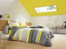 deco chambre jaune quelles couleurs choisir pour une chambre d enfant plafond