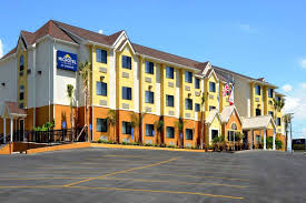 hotelname city hotels tx 78130