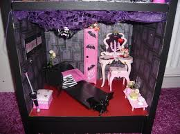 Monster High Bedroom Accessories by 268 Best Monster High Dollhouse Ideas Images On Pinterest