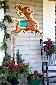 front porch christmas decorations front porch christmas decorations house of hawthornes