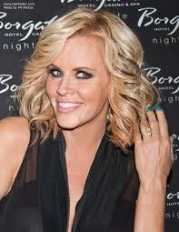 does jenny mccarthy have hair extensions jenny mccarthy thick and full shoulder length hairstyle with curls