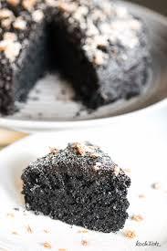 schwarzer sesamkuchen glutenfrei kuroi neko keki kochtrotz