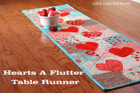 valentines day table runner patchwork hearts a flutter table runner a charm