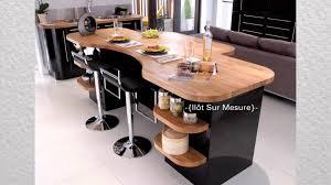 cuisine noir laqué plan de travail bois athis cuisine design noir brillant meuble mat et plan de travail