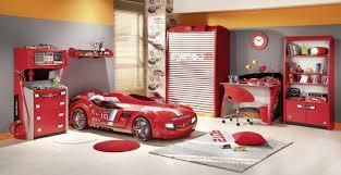 schöne kinderzimmer schöne kinderzimmer bett in form auto rotes bett im zimmer