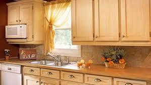 peinturer armoire de cuisine en bois surprenantes armoires de mélamine