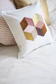 Designer Throw Pillows For Sofa by Best 25 Pillow Design Ideas On Pinterest Pillows Pillow Ideas