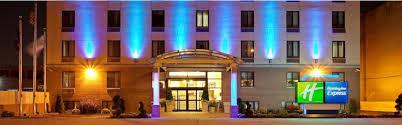 Hotels Close To Barnes Jewish Hospital Holiday Inn Express New York Brooklyn Hotel By Ihg