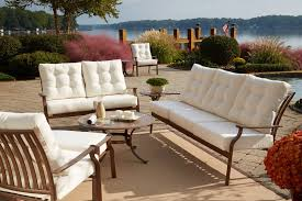 how to choose the best material for outdoor furniture cast aluminum