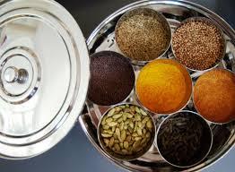 ayurvedische küche gewürzdose ayurvedische küche gefüllt mit 7 gewürzen