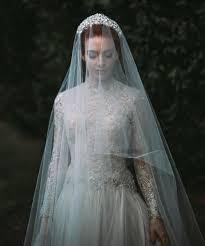 wedding crowns how to wear bridal crowns tiaras edward tea