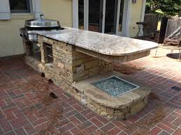 modern space saving outdoor kitchen island grill and bar design