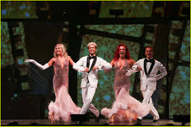 dwts light up the night tour dwts lindsay arnold sharna burgess emma slater chill out in new