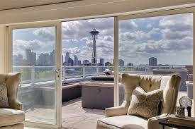 mansion global mansion global taps carrie debuys on seattle s luxury home market