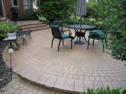 coffee brown color clay brick patios ideas with circle pattern of