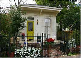 lowes katrina cottages small cottage in new orleans historic new orleans homes and the