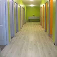 aqua oak original waterproof laminate flooring 32 99m2