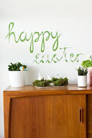 happy easter paper wall decor look what i made look what i wall paper mural diy tutorial look what i made