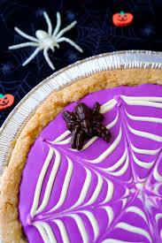 halloween spiderweb cookie pizza happiness is homemade