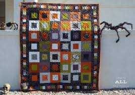 eerie halloween quilt tgiff stitch all the things