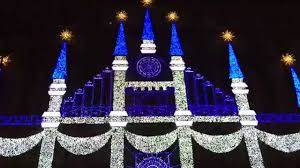 saks fifth avenue lights 2015 saks fifth avenue holiday 3d light show youtube