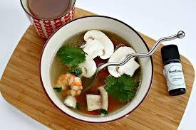 huile essentielle cuisine recette de bouillon thaï à la citronnelle revelessence