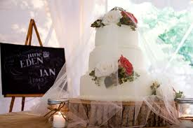 creative wedding cake displays rustic wedding chic