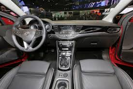 opel vectra 2004 interior opel premiers new astra plans 29 new models by 2020