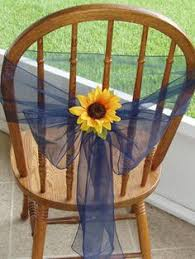 Sunflower Wedding Centerpieces by Yellow Sunflowers And Navy Blue Centerpieces Can U0027t Get Enough