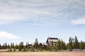 old faithful inn yellowstone national park lodging in wyoming