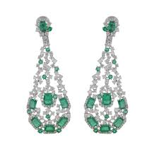 hanging earrings nigaam 18k white gold emerald and diamond hanging earring
