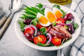 cuisine nicoise nicoise salad with tuna anchovies eggs green beans olives