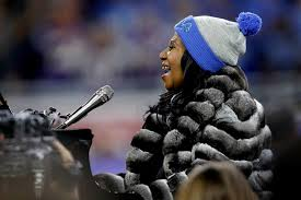 real story about thanksgiving watch aretha franklin sing a 5 minute national anthem on thanksgiving