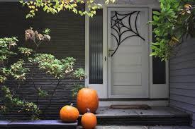 make this easy spiderweb door decoration merrypad