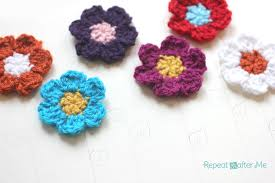 Crocheted Flowers - simple spring crocheted flowers repeat crafter me