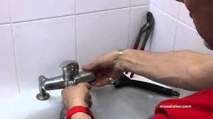 comment changer un robinet mitigeur de cuisine changement robinet de baignoire