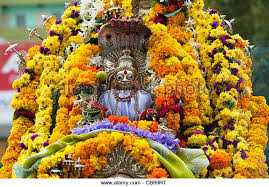hindu garland marigold garland hindu religion stock photos marigold garland