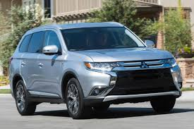 2017 white mitsubishi outlander 2017 mitsubishi outlander pricing for sale edmunds