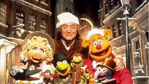 tis the season to watch netflix 14 great christmas movies to stream