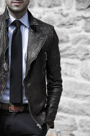 how to wear a leather jacket for men 50 fashion styles