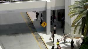 Jcpenney Clocks Jcpenney Store At Pembroke Lakes Mall Evacuated After Fire