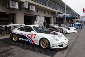 porsche 911 race car porsche revives classic 80s racers with killer retro paint jobs