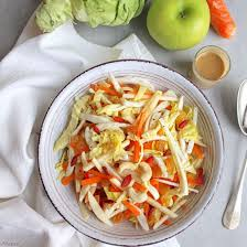 cuisiner le chou pointu recette salade de chou pointu fenouil carotte et pomme sauce