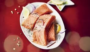 comment cuisiner du saumon surgelé 4 pavés de saumon atlantique surgelés les poissons crustacés