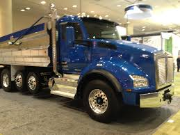 trade trucks kenworth kenworth t880 takes truck of the year