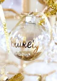 christmas ornament favors 21 wonderful winter wedding gift and favors ideas place cards